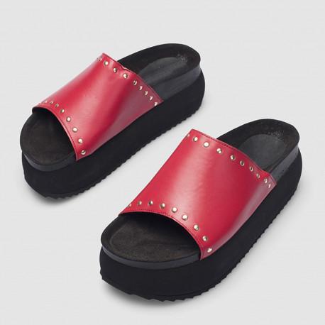 Sandalia Bimba remaches rojo