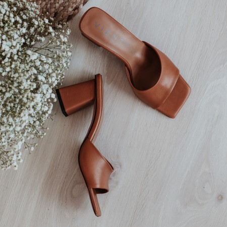 Heel mule sandals in brown leather Ani