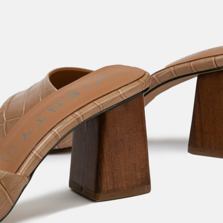 Sandalia mule tacón Ani coco tierra