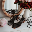 Heeled sandals with thin straps in black Melinda