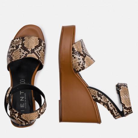 Sandalia plataforma serpiente marrón DORIA