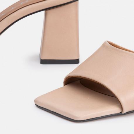 Sandalia mule tacón piel nude ANI
