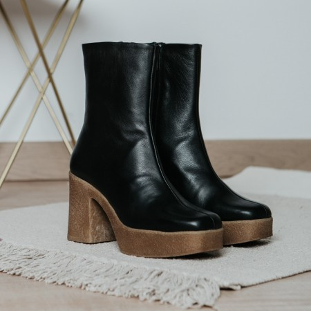 Black leather ankle boots Iron