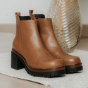 Caramel leather ankle boots Moon
