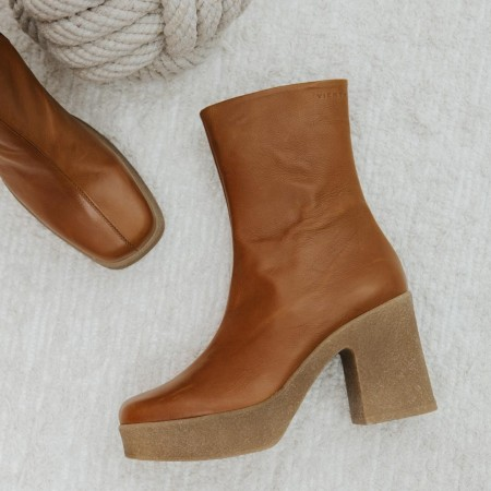 Caramel leather ankle boots HIERRO