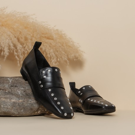 NEW IN - Black studded leather moccasin Jenny