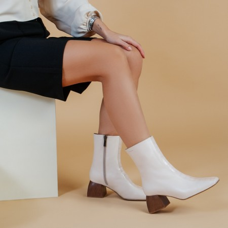 Booties with coco beige LYS