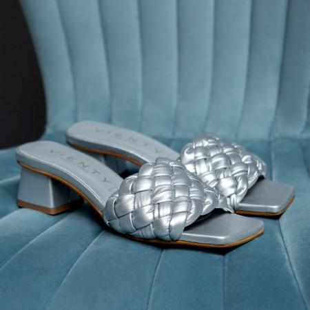 Sandalia tacón trenza plata Bellie