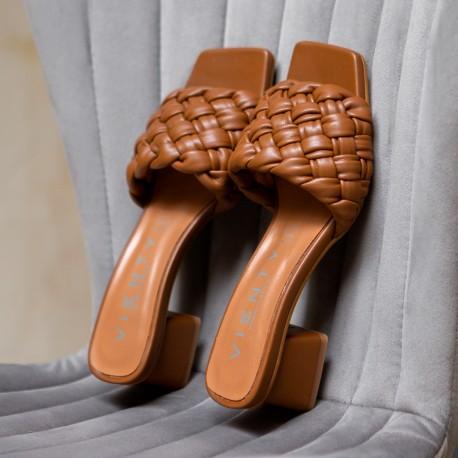 Sandalia tacón Bellie trenza cuero