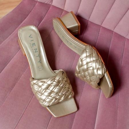 Sandalia tacón trenzada platino Bellie