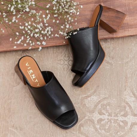 Sandalia pala ancha piel beige VALERIA