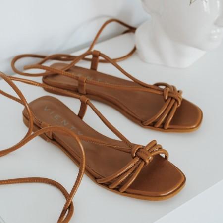 Sandalia plana cordones piel marrón Jimena