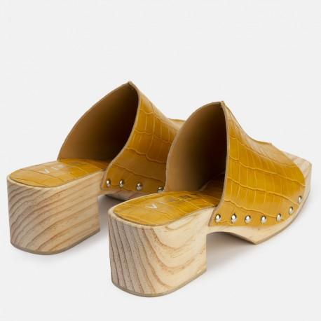 Sandalia pala tachas coco amarillo TULES
