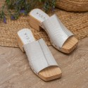 Sandalia zueco tachas coco blanco Tules