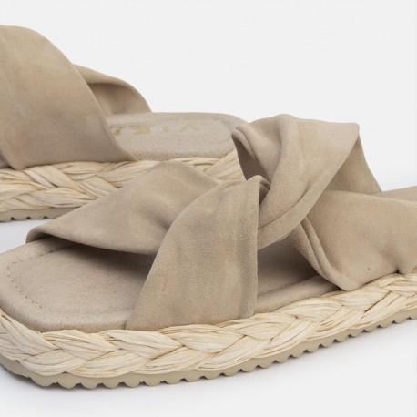 Sandalia nudo suede beige OLAY