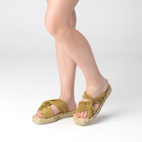 Sandalia nudo suede mostaza OLAY