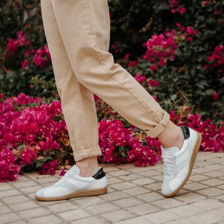Sneaker suede blanco negro CROWN