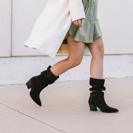 Brown suede wrinkled boot Given