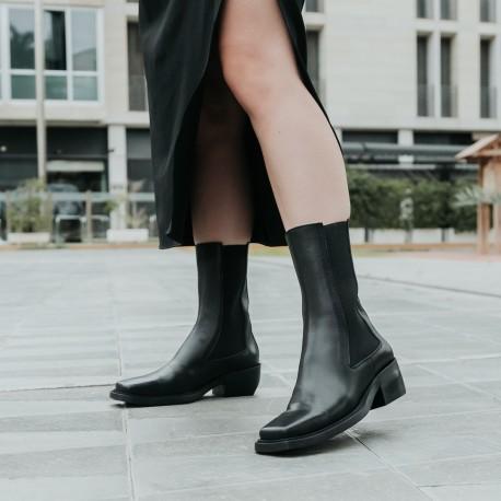 Black leather elastic boots Denver